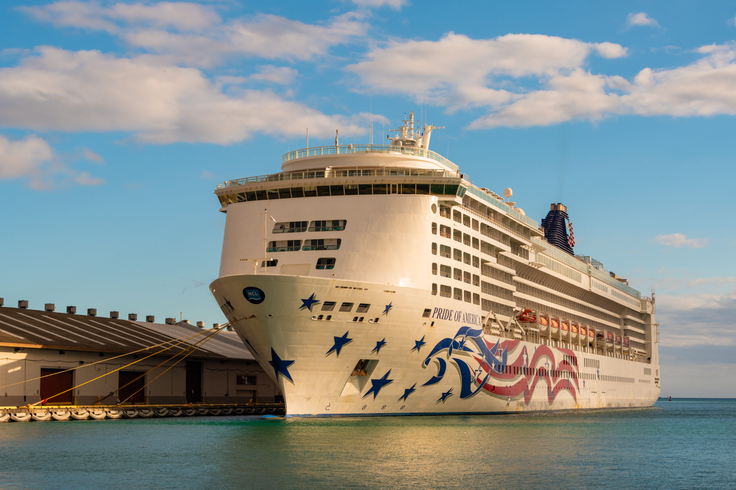 Built in the US and operated by Norwegian Cruise Lines (NCL), MS Pride of America is a cruise ship that sails around the Hawaiian Islands.